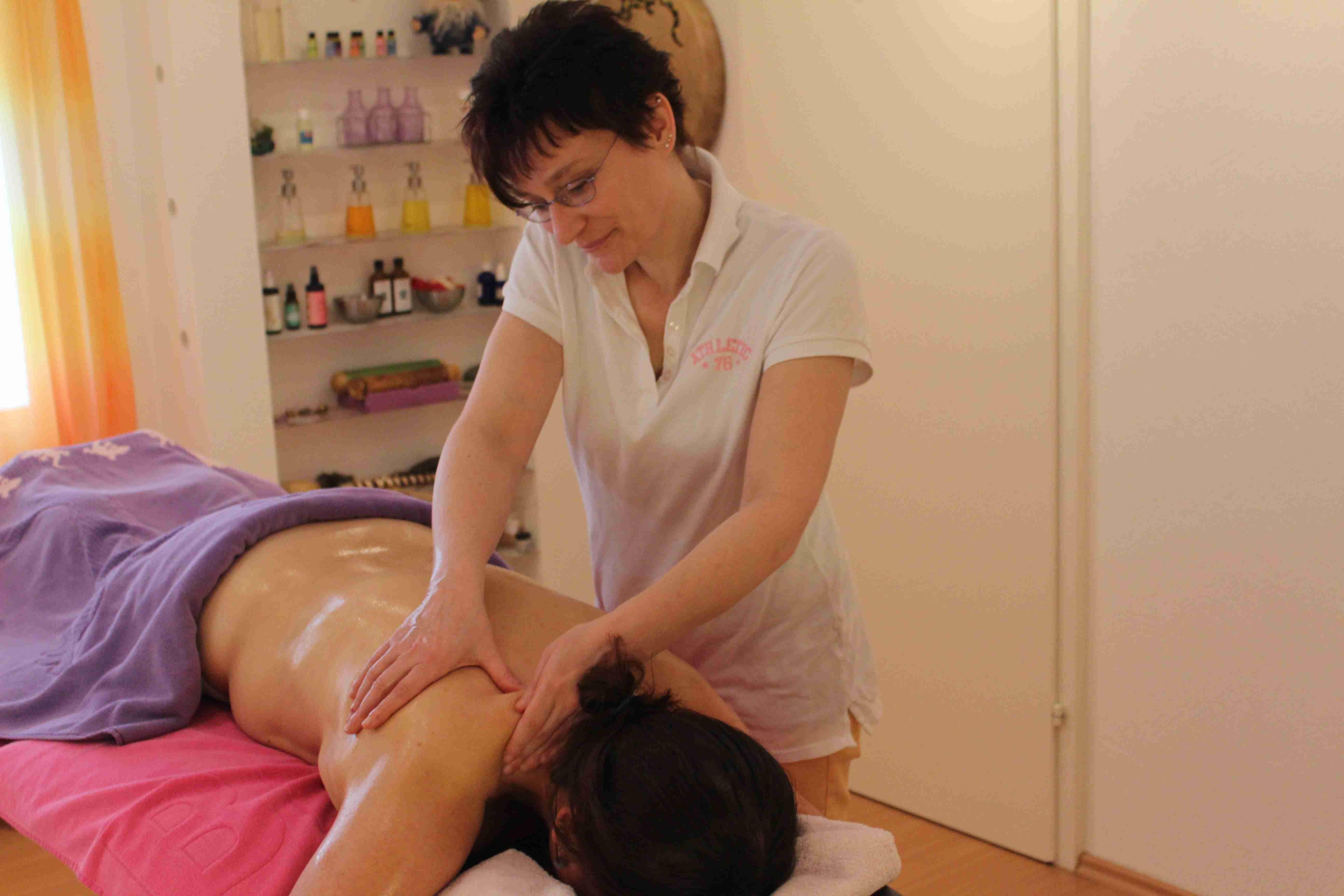 Schulter Nacken Massage mt Quanten