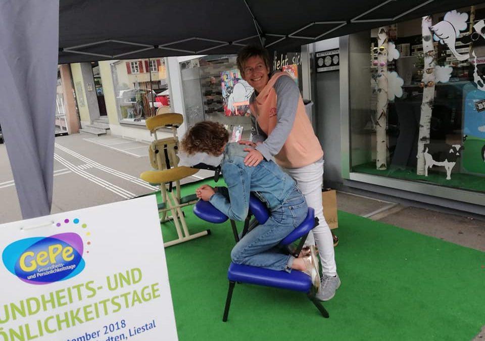 Kostenlose Massage auf der Strasse